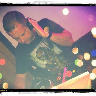 DJ LEON C